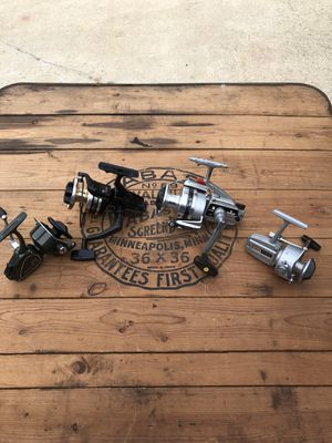Resorted open face fishing reels all work for Sale in Raleigh, NC