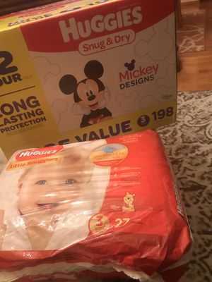 Huggies diapers size 3 -225 pcs for Sale in St. Louis, MO
