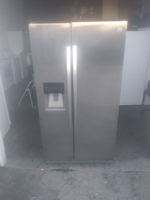 2015 Kenmore stainless steel side by side refrigerator 36wide 69tall for Sale in Long Beach, CA