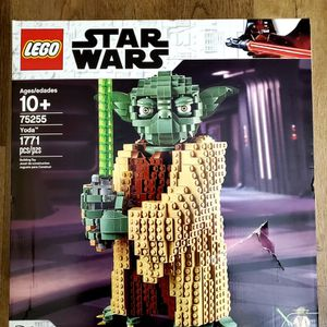 NEW LEGO Star Wars: Attack of the Clones Yoda 75255 Yoda Building Model and Collectible Minifigure with Lightsaber (1,771 Pieces for Sale in St. Petersburg, FL