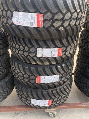 35/18 mud tires for Sale in Arlington, TX