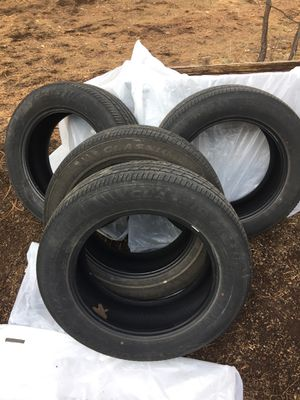 (4) 225-60R17 Used Tires for Sale in Pinetop, AZ