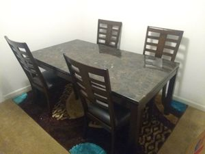 Dining room table set for Sale in Fort Lauderdale, FL
