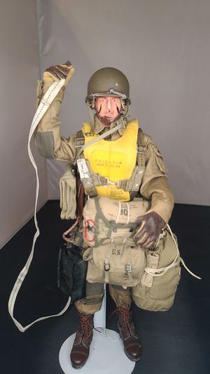 WW2 DID Paratrooper 1/6 scale action figure for Sale in Anaheim, CA