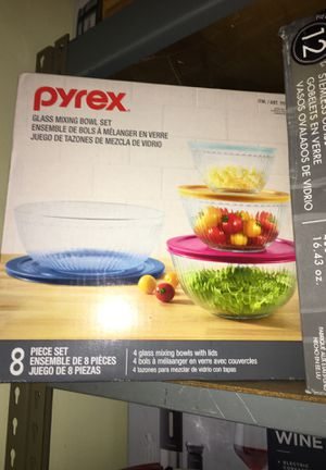 Pyrex glass mixing bowls set for Sale in Riverside, CA