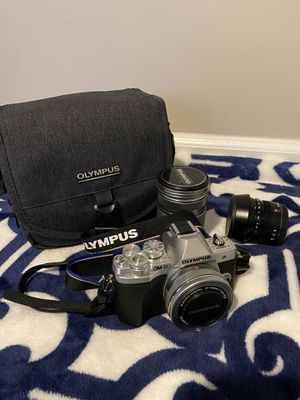 Excellent working condition (almost new) Olympus OM-D EM10 Mark 3 for sale !!! for Sale in Dunwoody, GA