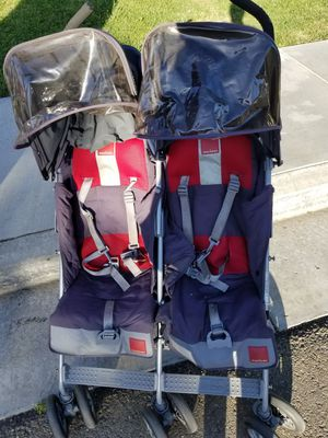 Twin double stroller for Sale in Tracy, CA