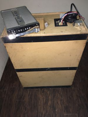 Toby Pro Box & Hifonics Amp 1000watts for Sale in Fort Worth, TX