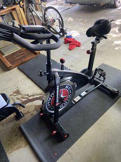 Schwinn IC3 Spin Bike for Sale in Reedley, CA