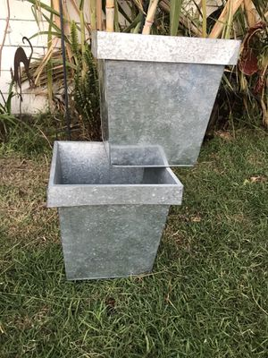 Metal plant holder for Sale in Oxnard, CA
