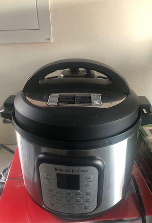 Instant pot - Duo Crisp + Air fryer for Sale in Bakersfield, CA