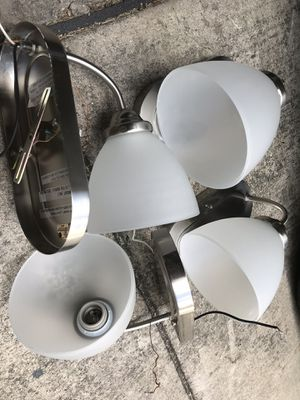 4 x Light Fixtures in excellent condition for Sale in San Antonio, TX