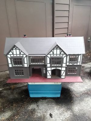 PRICE REDUCED Shakespearean Dollhouse for Sale in Bellevue, WA