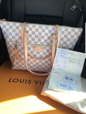 100% authentic Louis vuitton iena mm damier azur new in box for Sale in Seattle, WA