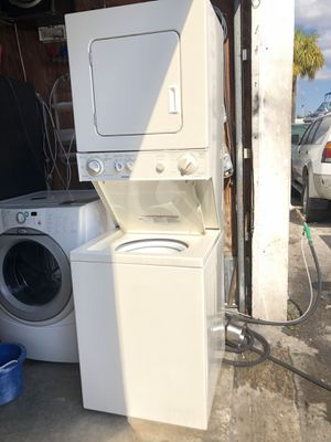 Kenmore stackable washer and dryer in excellent condition and 6 months warranty. We have delivery service available for Sale in Deerfield Beach, FL