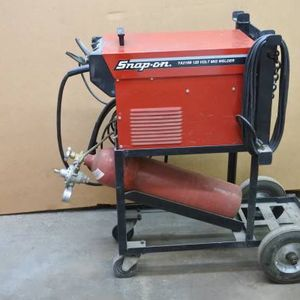 Snap-On YA219B 120 Volt Mig welder for Sale in Tempe, AZ
