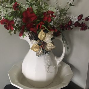 Antique White Pitcher And Bowl for Sale in Naperville, IL