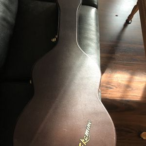 Brown Takamine Guitar Hard Case for Sale in Snohomish, WA