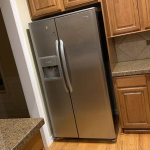 Kenmore Refrigerator Elite for Sale in Maple Valley, WA