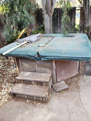 Hot tub for Sale in San Bernardino, CA