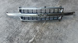 Factory grill Tahoe, suburban, 1500 for Sale in Chula Vista, CA
