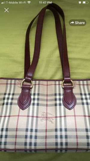 Burberry handbag bag Authentic used great condition for Sale in Brooklyn, NY