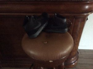 Nike black shoes size 7.5 for Sale in Reedley, CA