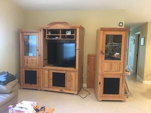 Entertainment Center - Free come pick up for Sale in Coral Springs, FL