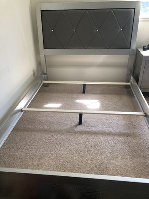 Modern looking full size kids bedroom set for Sale in Saratoga, CA