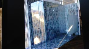 Frameless shower units for Sale in Pico Rivera, CA