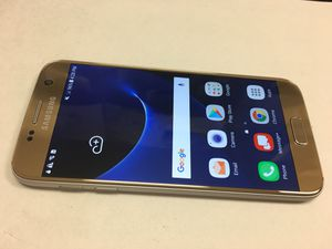 Unlocked Samsung Galaxy S7 Gold, nice condition. Works with Verizon, att, Tmobile, metro pcs. Comes with charger. 260 cash only. Price is firm for Sale in San Francisco, CA