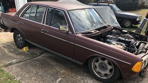 1984 w123 Mercedes for parts for Sale in Raleigh, NC