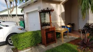 Nice bar with wine rack and glass rack AND end table free for Sale in Miami, FL