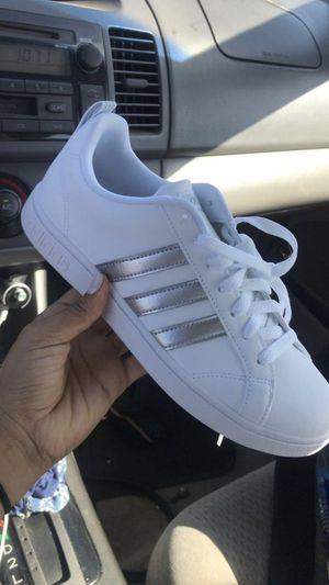 Adidas (7.5 for women) for Sale in El Cajon, CA