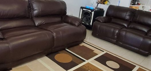Leather Living Room Reclining Couch Set for Sale in Orlando, FL