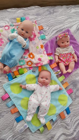 3 Baby Dolls with blankets. for Sale in Everett, WA