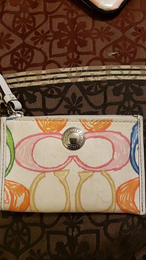 Coach scribble mini coin purse/id holder with key chain for Sale in Beebe, AR