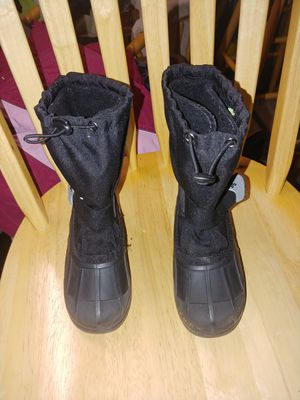Kamik kids snow boots size 13 for Sale in Puyallup, WA