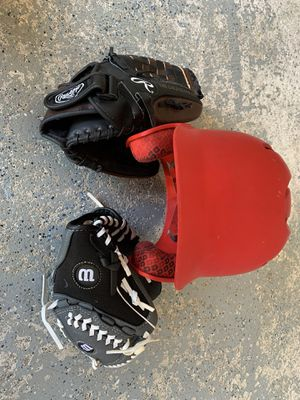 Kids Baseball Helmet and 2 Pitching Gloves for Sale in Everett, WA