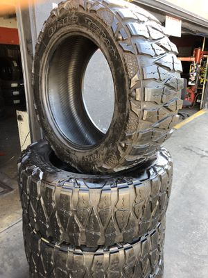 37/13.50R22 Nitto M/T tires (4 for $500) for Sale in Santa Fe Springs, CA