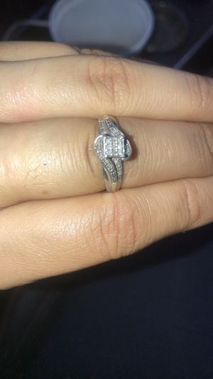Sterling Silver Size 7 Diamond cut Engagement Ring for Sale in Moline, IL