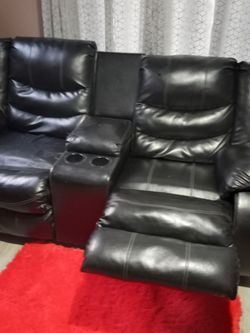 Recliner Couch And Recliner Loveseat for Sale in Cleveland,  OH