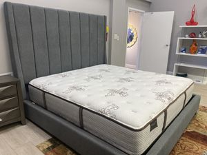 King bed frame // financing available for Sale in Miami, FL