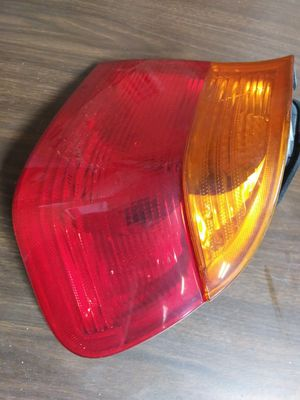 1999-2002 BMW 323 SERIES REAR RIGHT PASSENGER SIDE TAIL LIGHT LAMP for Sale in Winston-Salem, NC