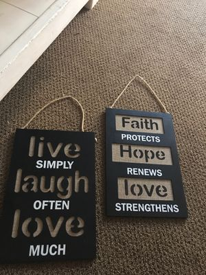 2 piece , wood/burlap $8 both for Sale in Anaheim, CA