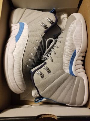 Jordan retro 12 size 5y=size 6.5 in women's 9.5/10 condition serious buyers only please and thanks for Sale in Everett, WA