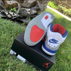 Jordan retro 3 true blues size 9 good condition used once but looks dead stock for Sale in Coppell, TX