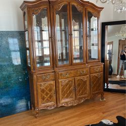Beautiful Wooden China Cabinet for Sale in St. Louis,  MO