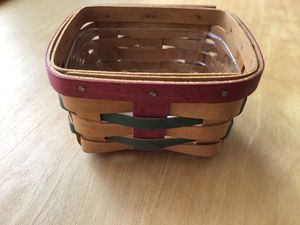 Longaberger Little Gift Basket Christmas Colors for Sale in Dover, PA
