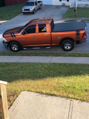 Dodge Ram 1500 ST Quad cab for Sale in Lawrenceville, GA
